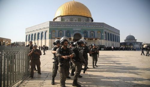 Al-Aqsa Mosque Cries Out for the Muslim Armies and Implores their Officers to Support and Liberate It